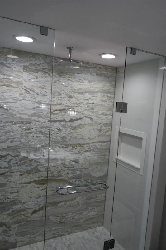 Toronto Shower Shelf