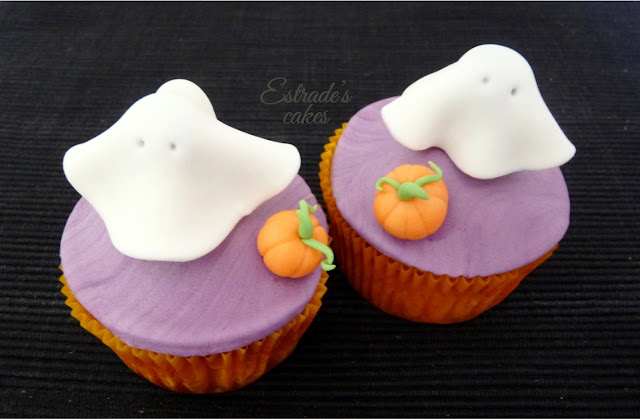 cupcakes de Halloween con fondant - fantasma