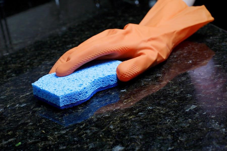 Trucos para limpiar el marmol y sus manchas mis trucos for Manchas en el marmol