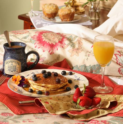 House post saturday breakfast in bed for Breakfast in bed ideas