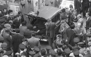 oma, via Caetani, 9 maggio 1978 il ritrovamento del corpo di Aldo Moro appena ucciso