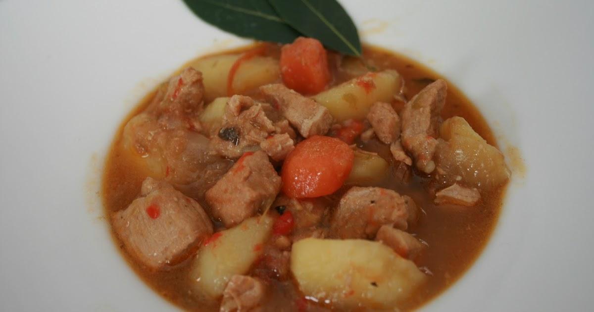 aprendiendo a cocinar estofado de patatas con carne