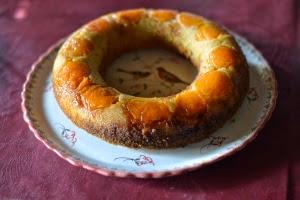 http://madimado.com/2014/05/28/gateau-moelleux-abricot-orange-et-miel/