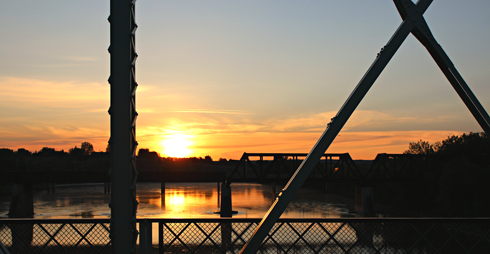 finlay bridge medicine hat alberta sunrise photography