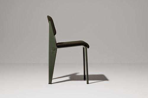 スイスの家具デザイン会社ヴィトラは、最初のG-Star HQのために考え出された「ジャン·プルーヴェRAWオフィス版」はG-STAR RAWの個性と良くマッチしている。