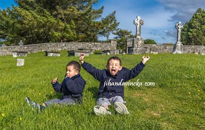 Jalan jalan ke Clonmacnoise Irlandia