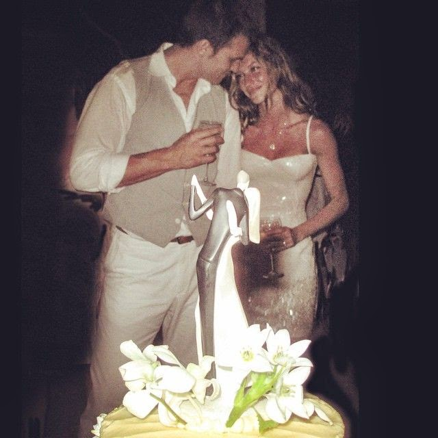 "Writing into her Instagram page on Thursday, February 26, 2015, Gisele Bundchen told: ""Magical day! #tbt Dia mágico!.""  The 34-year-old looked very honest with her art as the Supermodel and husband, Tom Brady did in honor of their 6th weeding anniversary."