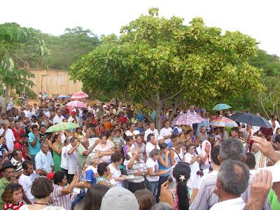 Missa de Páscoa no Cristo Ressuscitado de Solidão - PE reúne milhares de pessoas