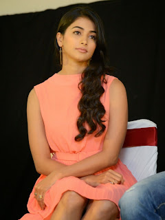 Actress Pooja Hegde Pictures in Short Dress at Oka Laila Kosam Prerelease Press Meet  6.jpg