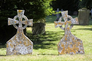 kuburan kembar