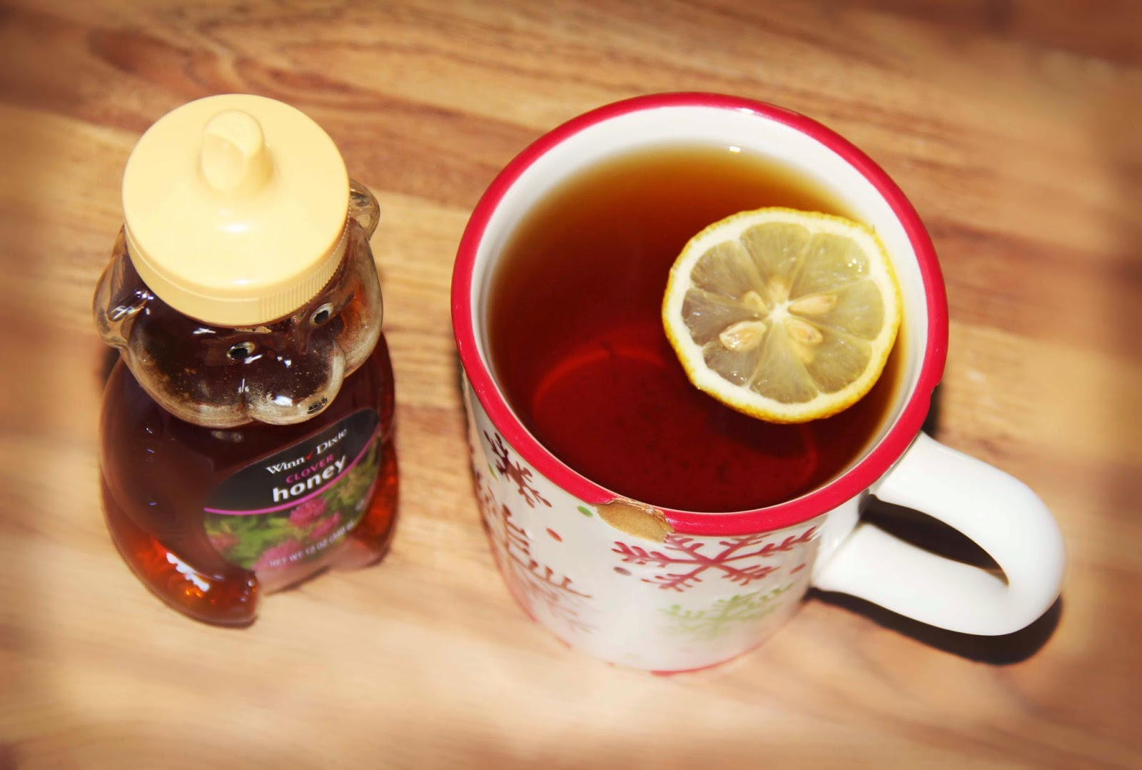 Green tea with lemon and honey