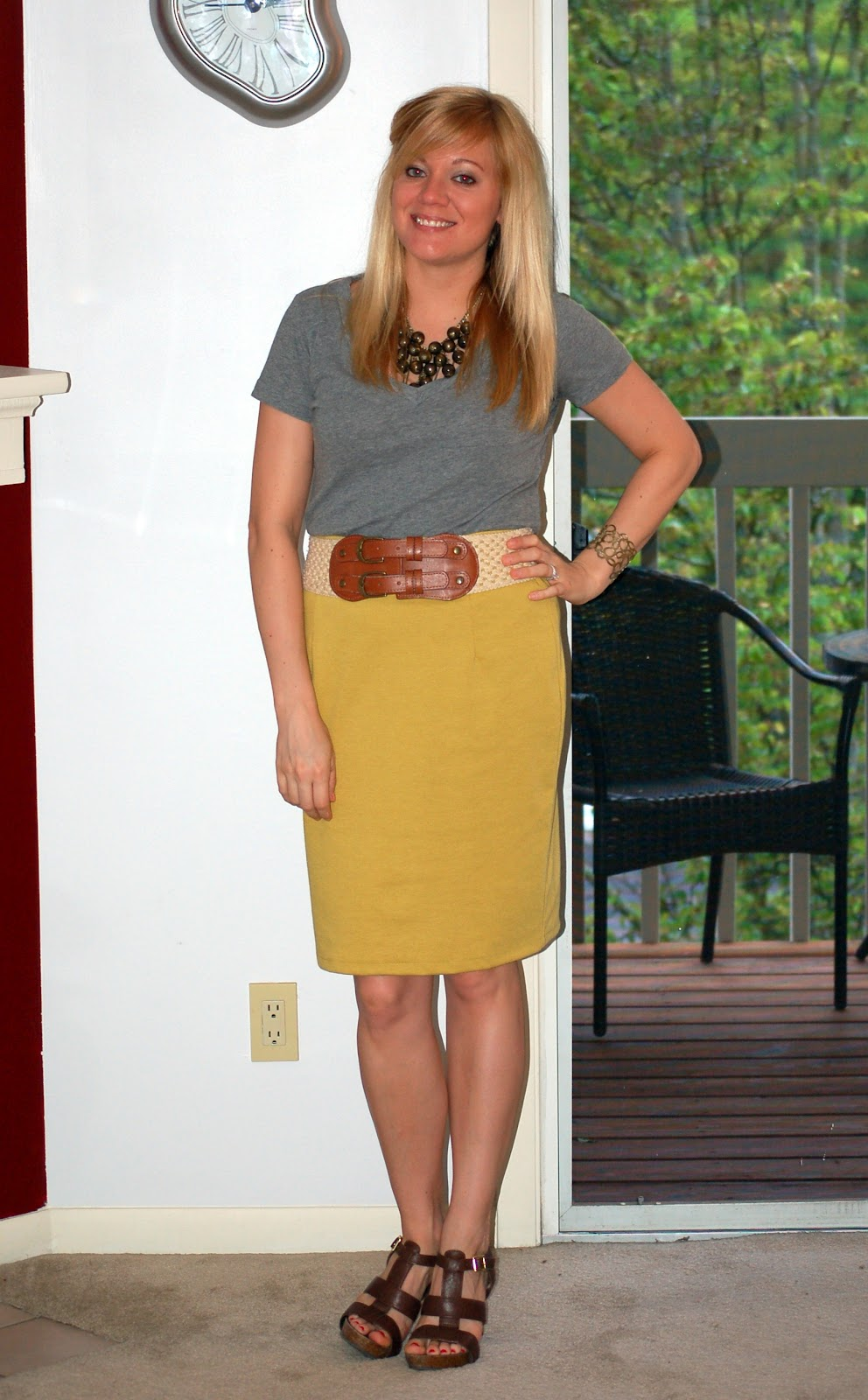 at shoe t shirt pencil skirt