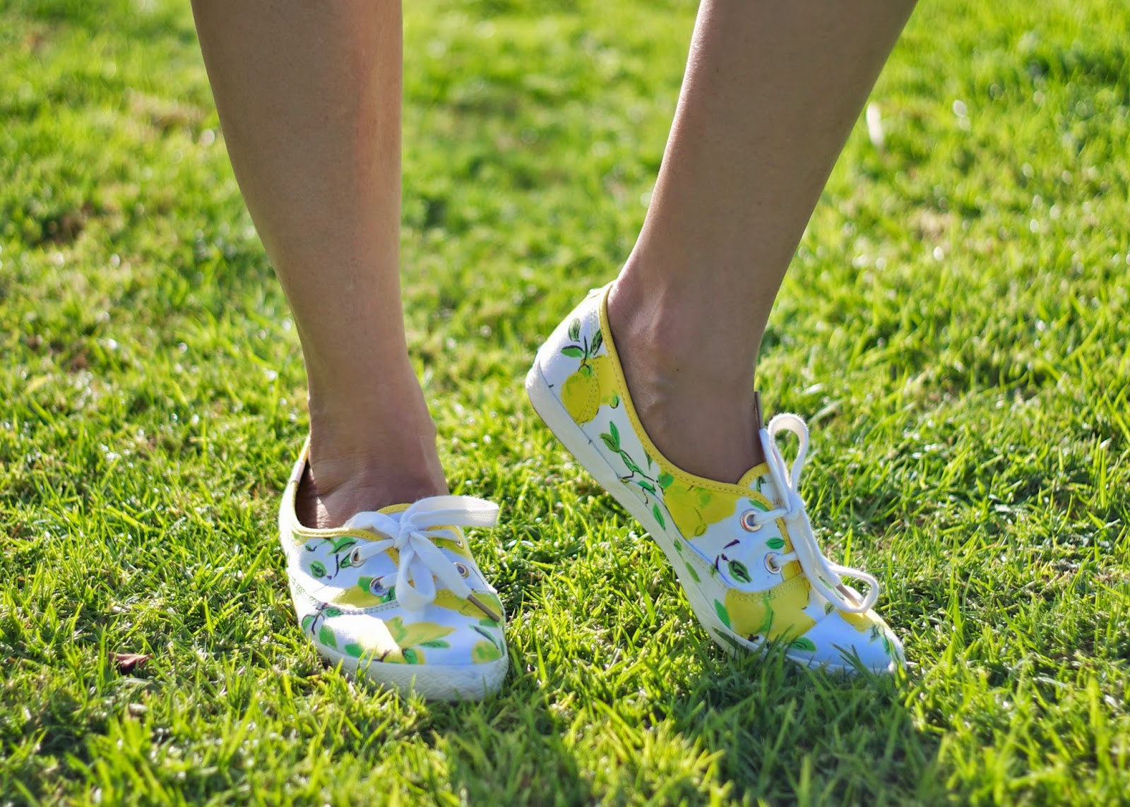 Kate Spade Keds with Lemon Print, Kate Spade Lemon Printed sneakers, cute sneakers by Kate Spade