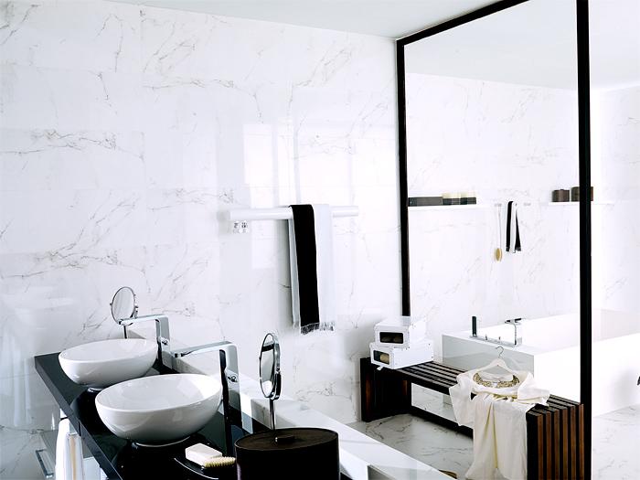 Diseno De Baños Elegantes:Porcelain Carrara Tile Bathroom