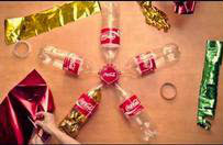 Make your own COCA-COLA® Parol at i-share ang #SariSaringHappiness ngayong pasko!