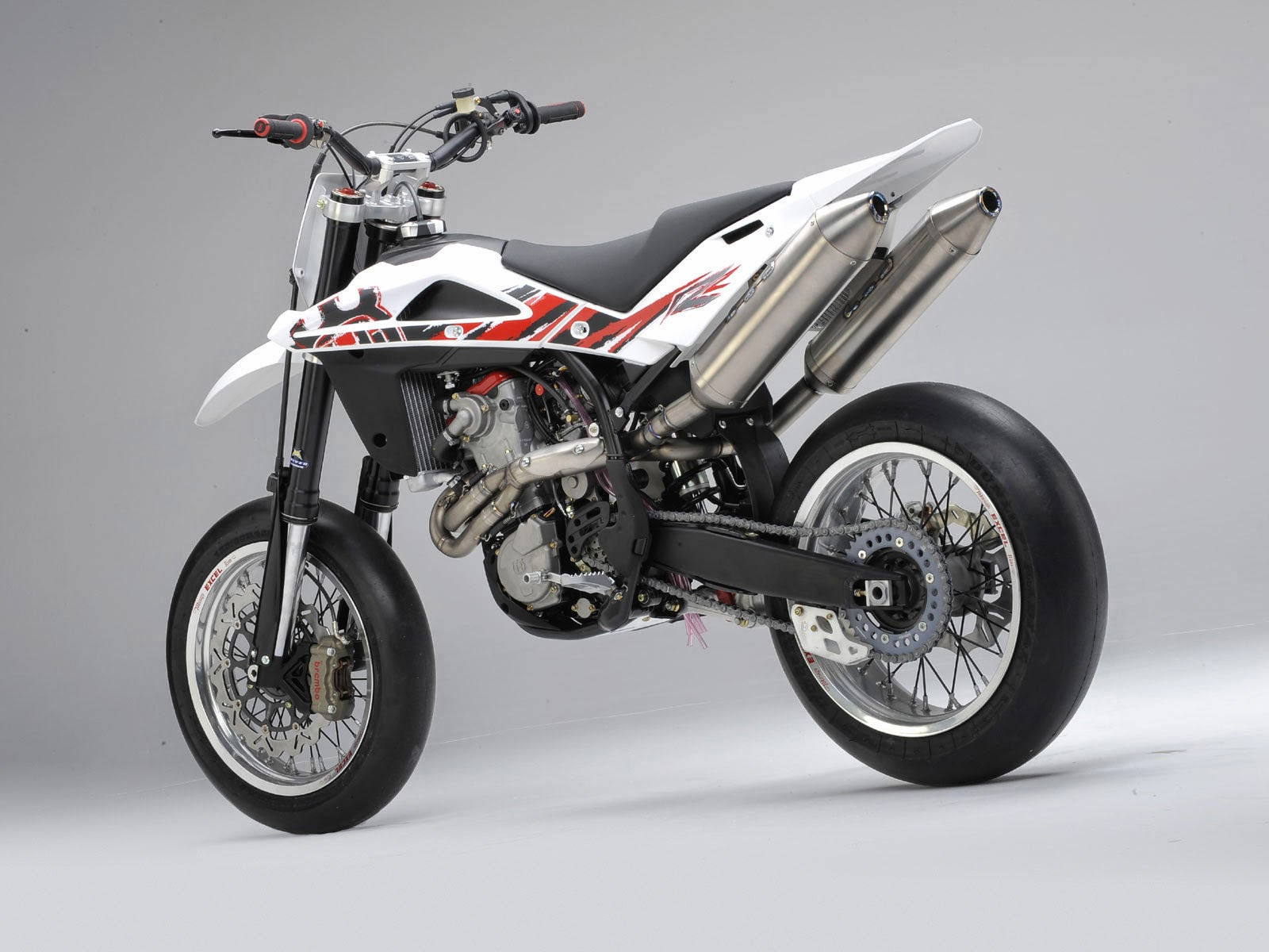 Husqvarna SMR450 Sports Bikes HD Wallpapers