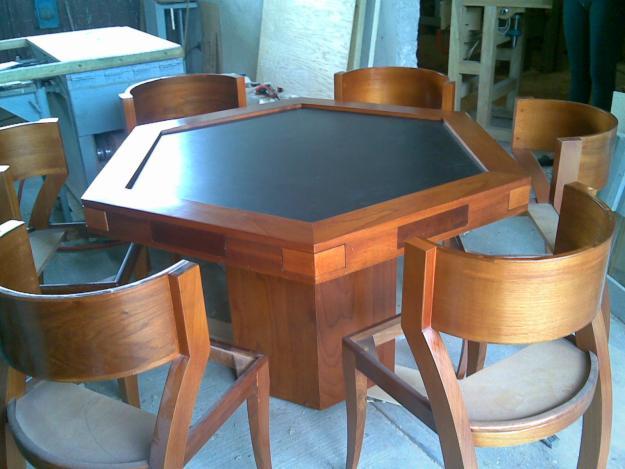 Closets y cocinas integrales residencial mesa para juegos for Juego de mesa y sillas para cocina