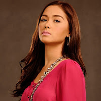 Maja Salvador as Margaux