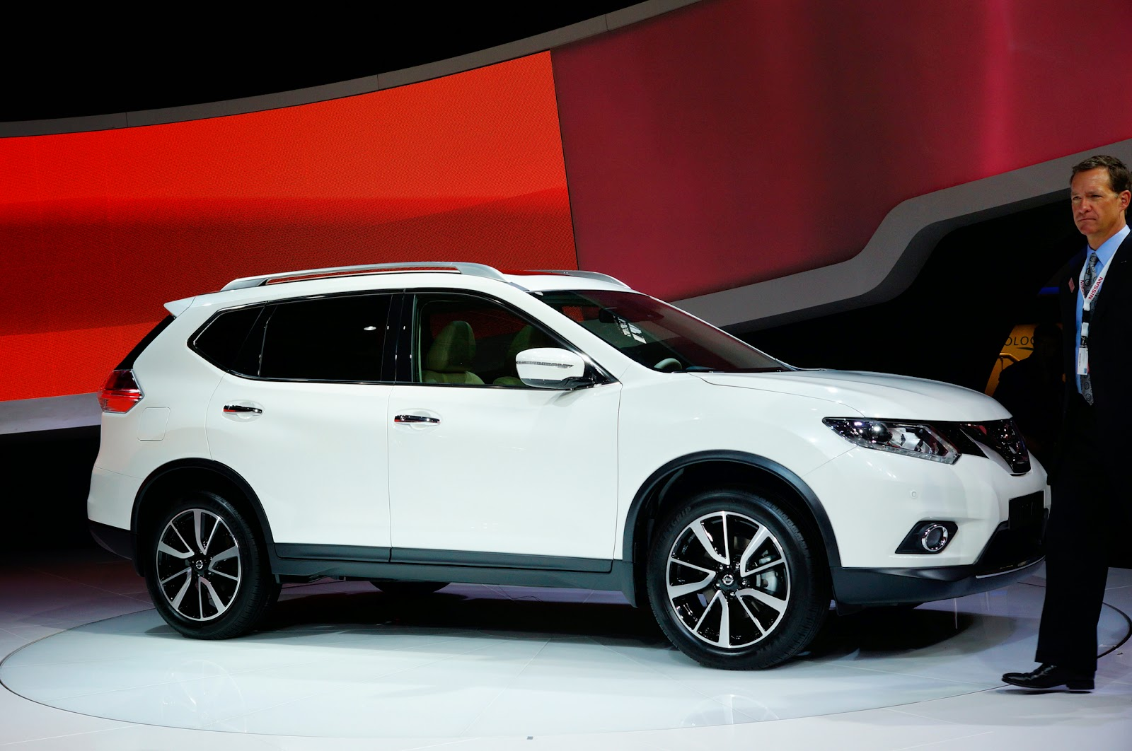 Nissan Rogue Suv Luxury And Sporty Mycarzilla