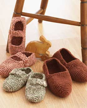 Free Crochet Patterns For Family Slippers : Miss Julias Patterns: Free Patterns - 50 Slippers & Socks ...
