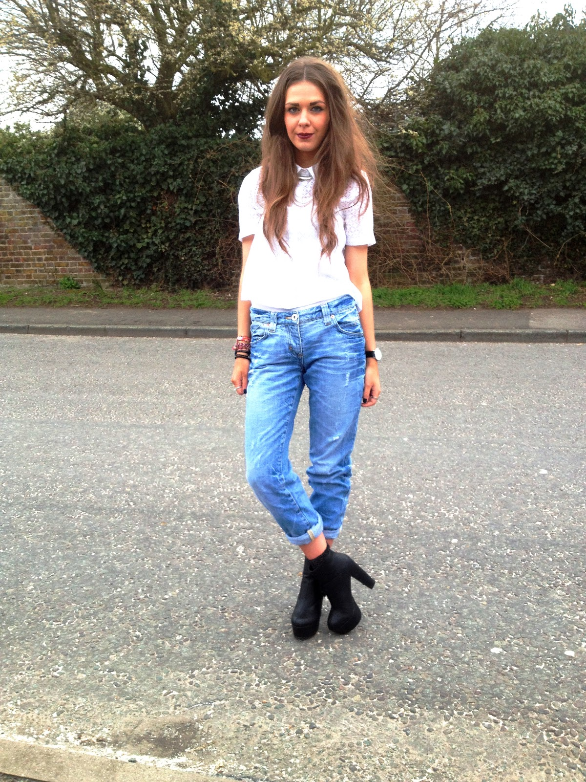 White shirt with jeans and heels
