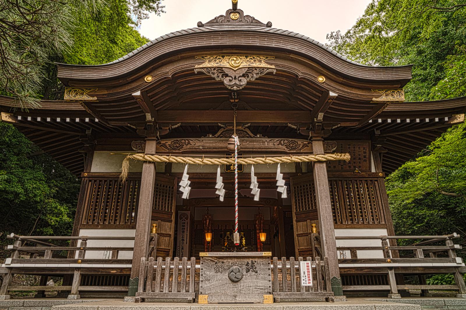 小金井市、貫井神社の本殿の写真