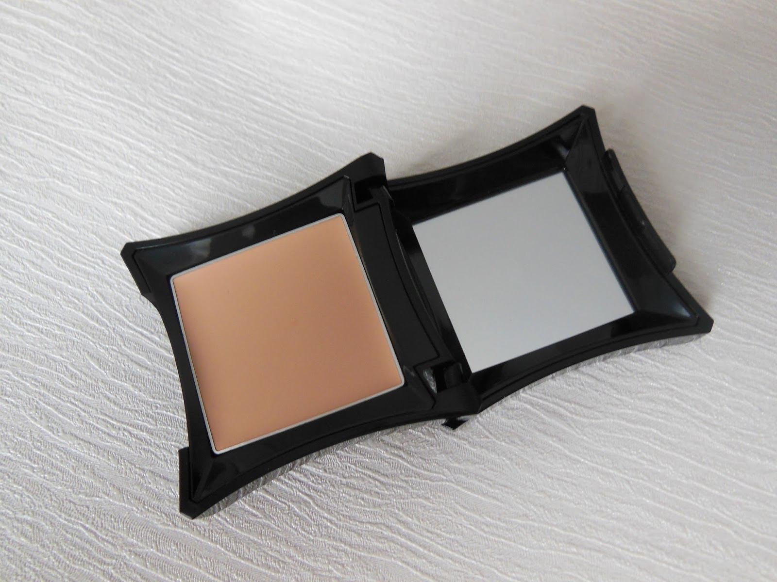 3ae98c0c211 Illamasqua Sacred Hour Collection review | Tales of a Pale Face | UK ...