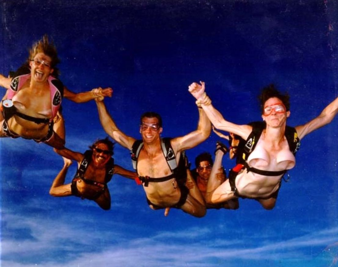 Skydiving nude
