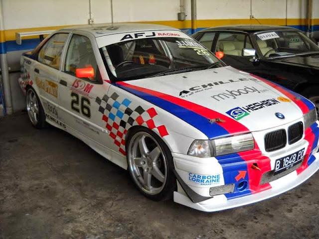 Modifikasi Mobil Balap BMW