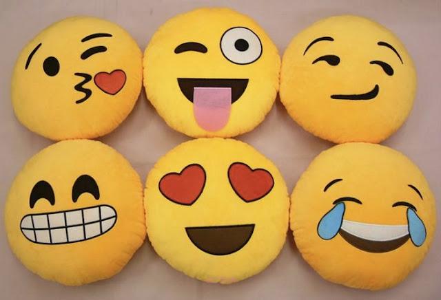 el yapımı emoji yastıklar
