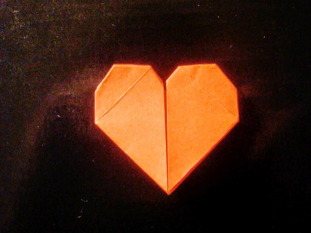 Cara Membuat Pembatas Buku Origami Berbentuk Hati - Ide Plus