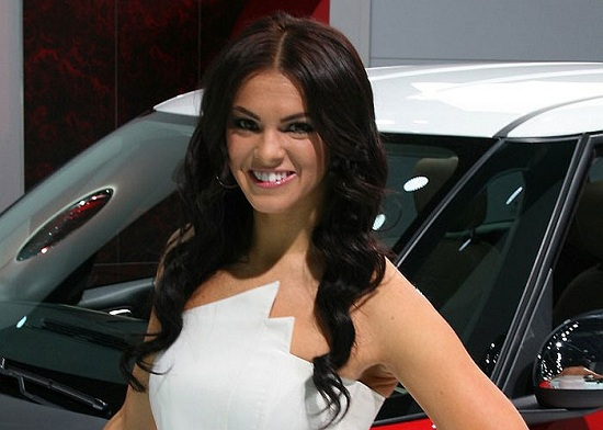 2013 Detroit Auto Show Girls