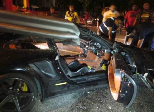 Kemalangan Kereta Porsche