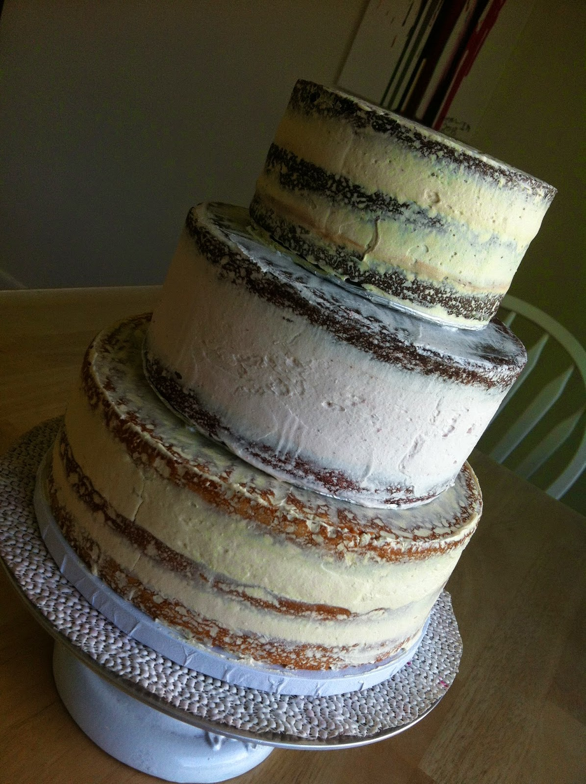 THE MIGHTY BAKER Simple Rustic Wedding Cake