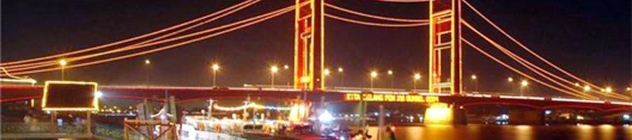 Jembatan Ampera Sungai Musi Kota Palembang