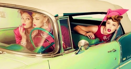 retro-vintage-girls-car