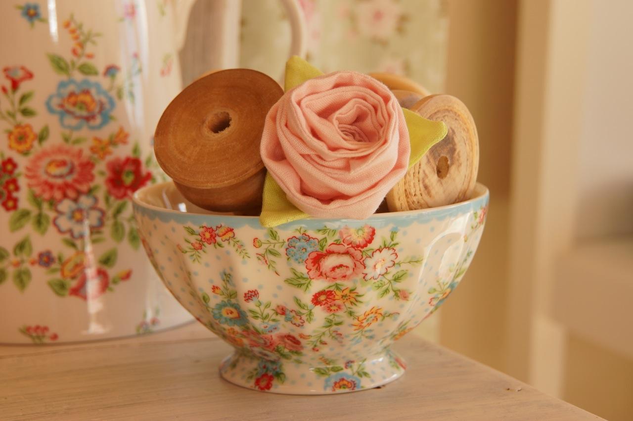 rosamine home ein kleiner rosen gruss zum valentinstag. Black Bedroom Furniture Sets. Home Design Ideas