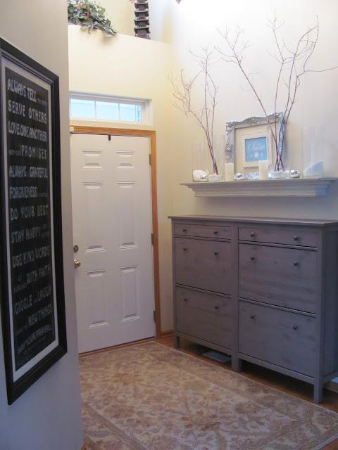 Foyer Cabinet Xl : Header winter mantel