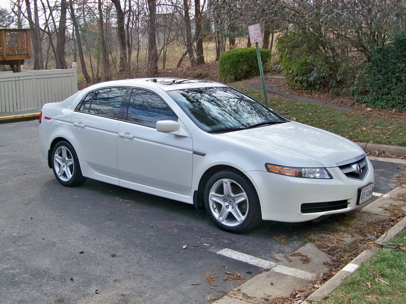 amol 39 s stuff to sell 2006 acura tl for sale 16900 obo. Black Bedroom Furniture Sets. Home Design Ideas