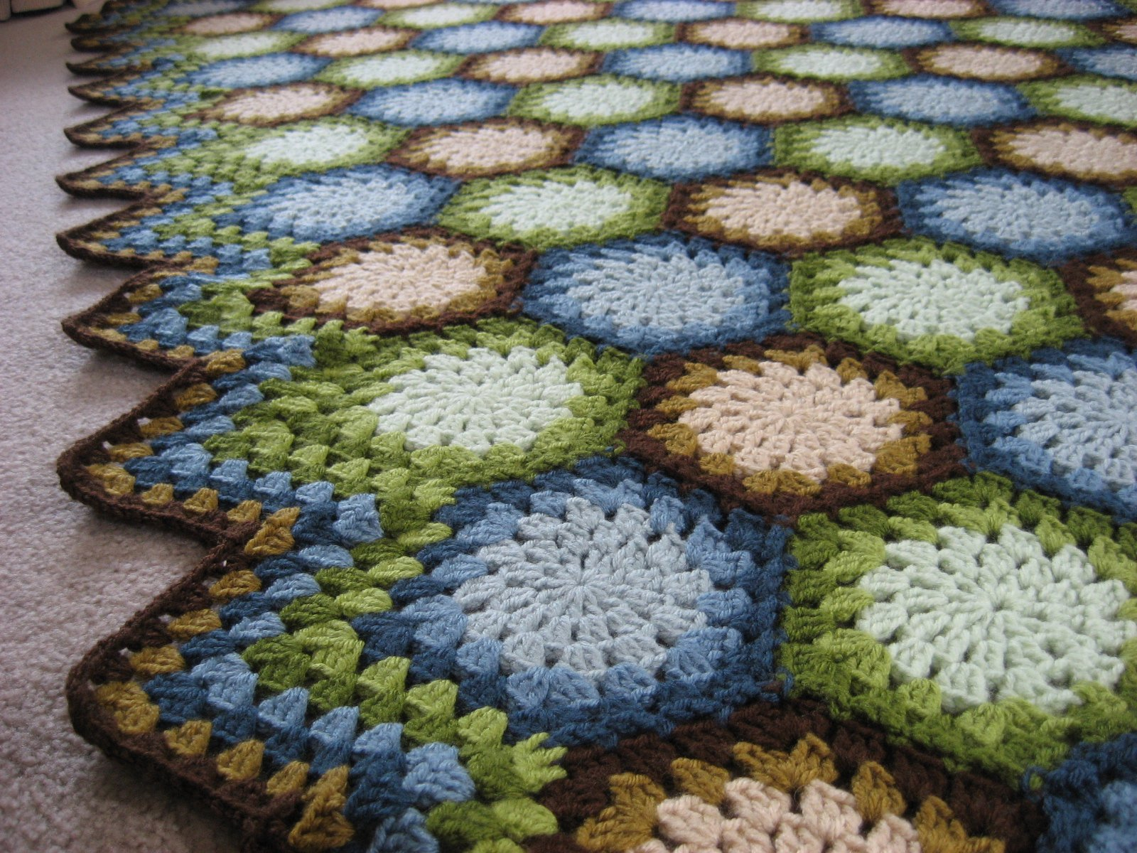 Crochet pattern hexagon afghan dancox for hooked on needles crocheted hexagon granny afghan finished crochet pattern bankloansurffo Image collections