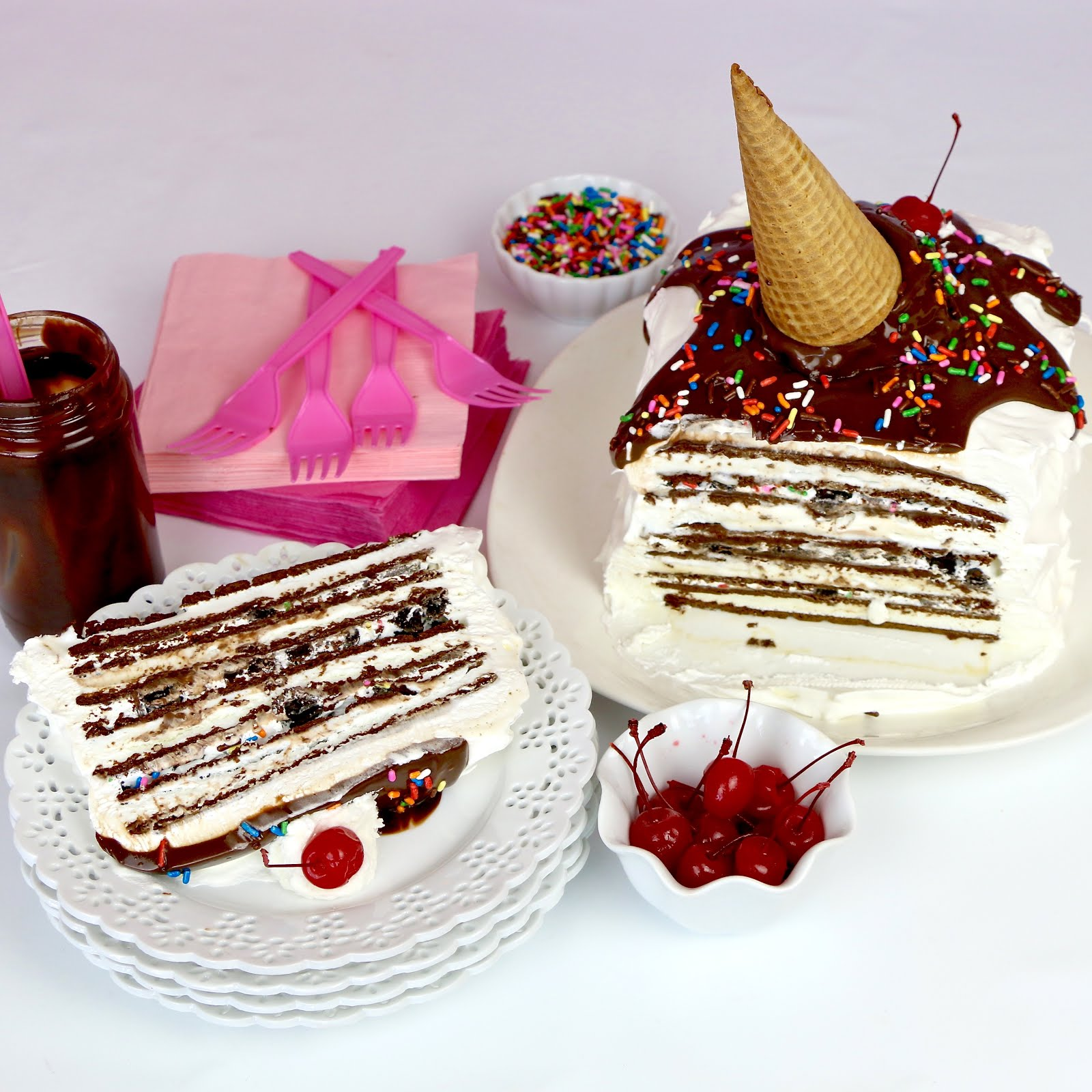 VIDEO Easy No Bake Ice Cream Sandwich Cake with Melting Cone
