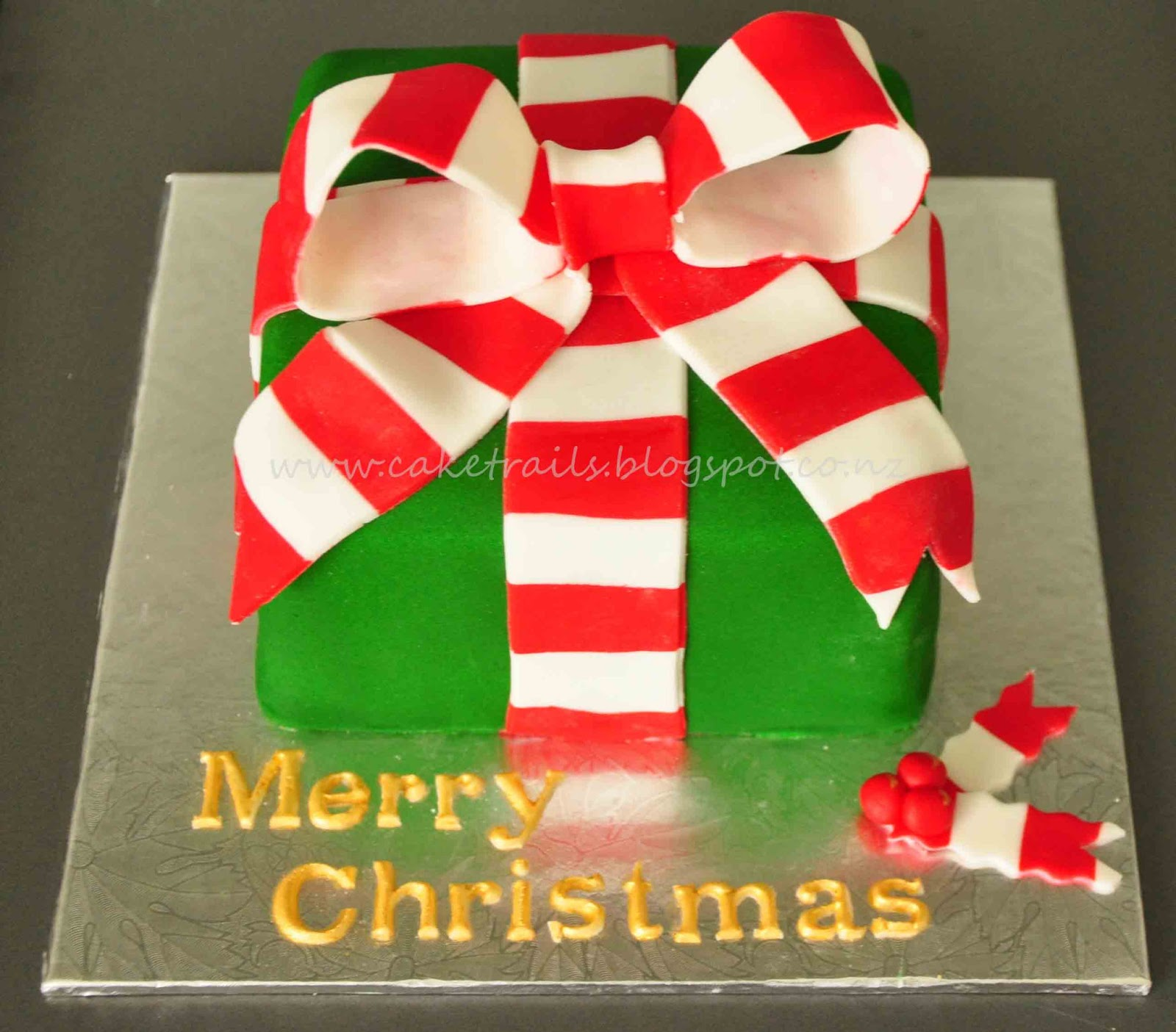 Cake trails christmas cake and cookies gift for Christmas cake gift
