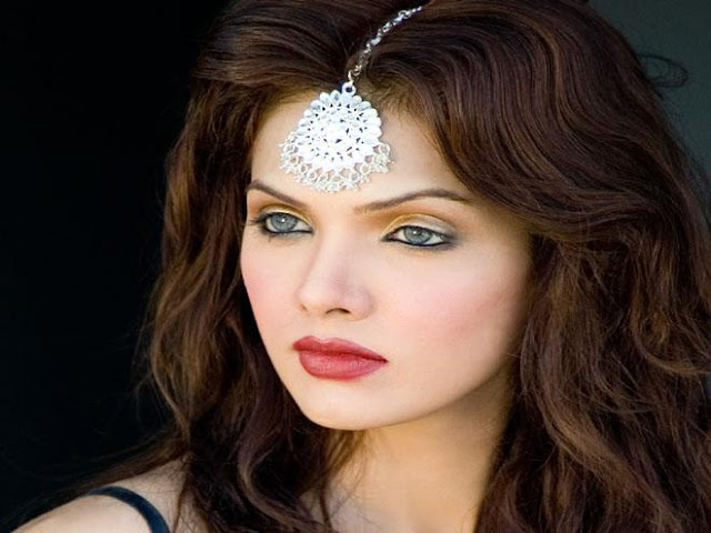 Mona Liza is a Pakistani actress photos and picture