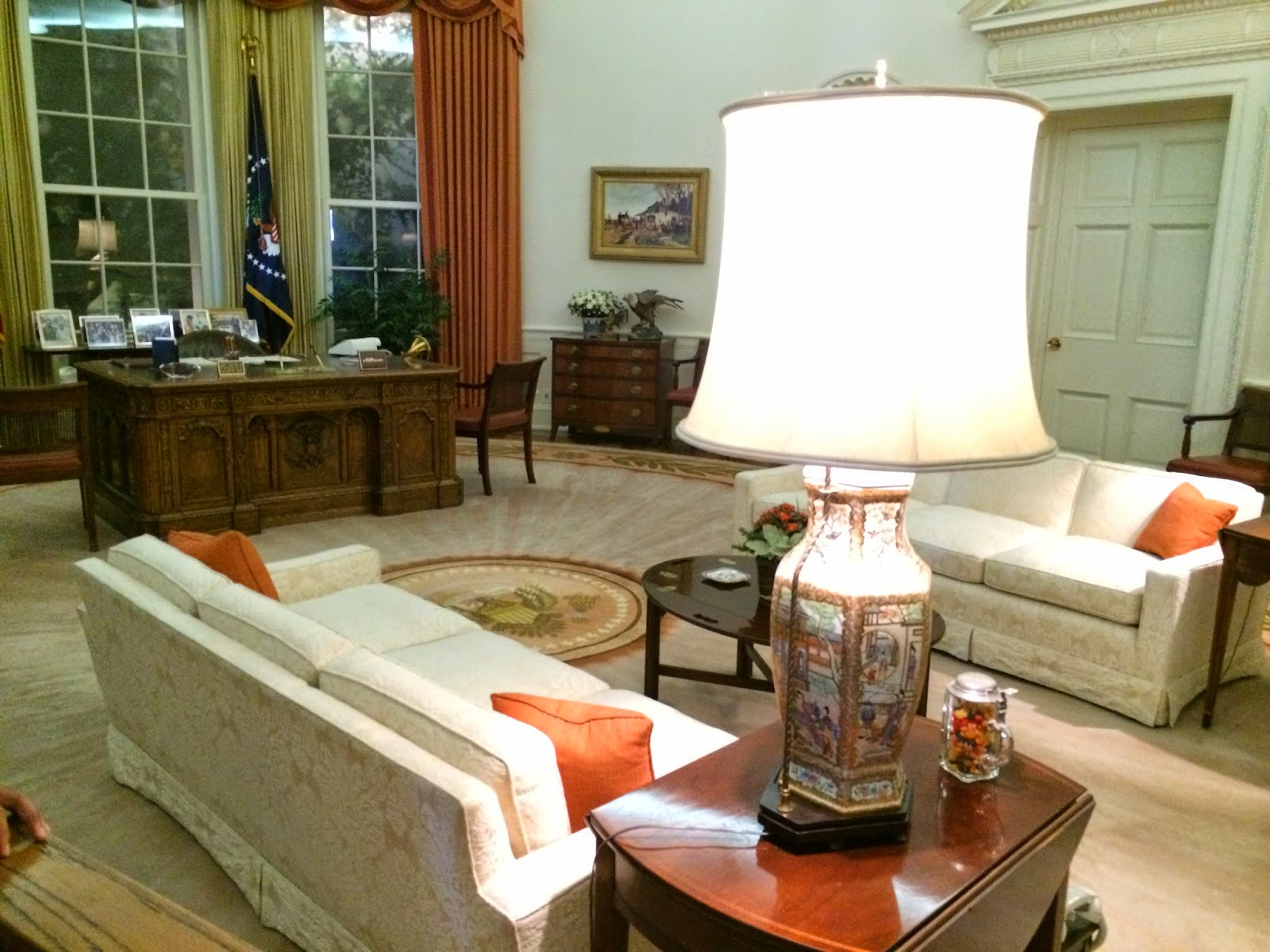 reagan oval office. Air Force One Was On Display In A Large Hangar. You Could Walk Through The Plane, But Pictures Of Interior Were Not Allowed. Reagan Oval Office