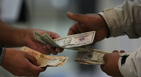 Comercio internacional tipo de cambio de divisas for Que es politica internacional