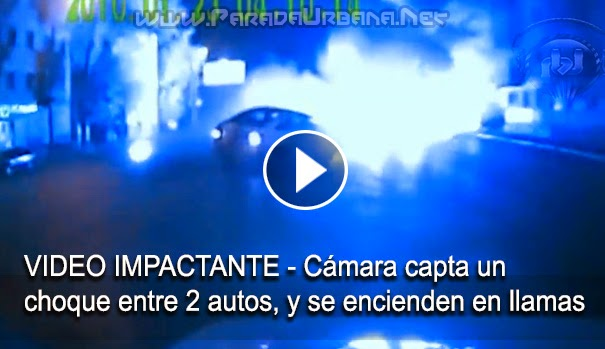 VIDEO IMPACTANTE - Cámara capta el momento de un accidente entre autos que se encienden en llamas