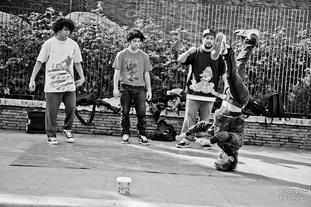 street band, street life