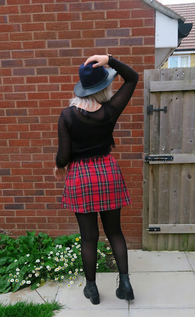#OOTD Tartan Skirt, Cropped Jumper & Jeffrey Campbell Boots