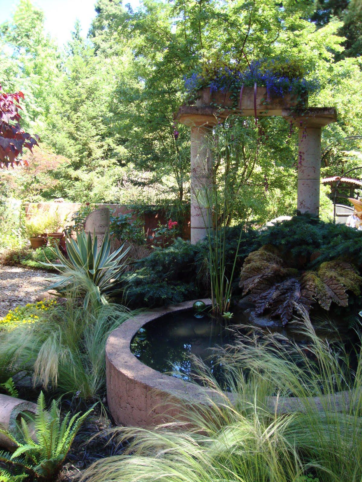 danger garden: The Lane Garden, (more glass art in the garden...)