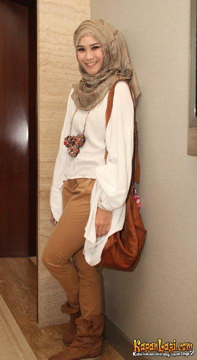 Gaya Berhijab Ala Zaskia Adya Mecca Inspirasi Gaya Busana Lebaran 2013 Fashion Selebritis
